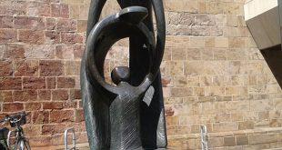 Moderne Statue in Minden.